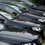 A kormánybiztosoknak is jár már szolgálati autó