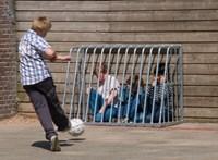 Iskolai zaklatások: a diákokon csattan a kormány civilellenes retorikája