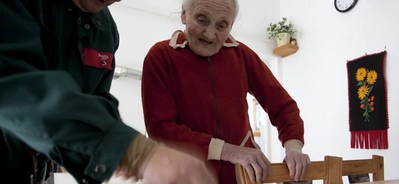 Bevezette, megszüntette, most ismét 13. havi nyugdíjat akar az MSZP