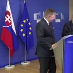 Telefonos poénnal szórakoztatta Juncker az újságírókat – videó