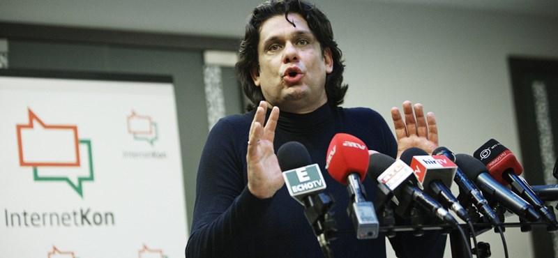 Balla István: A digitális király is meztelen – a tanárok leiskolázták a kormányt
