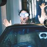 Ez a két férfi megcsinálta, amit titokban minden autós kipróbálna – videó