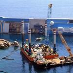 Elszállítják a Costa Concordia roncsait