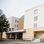 Kizuhant egy nyolcéves gyermek a kaposvári kórház ablakán