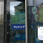 Ki sem nyitott sok körúti üzlet, a Nyugati postánál szivattyúznak