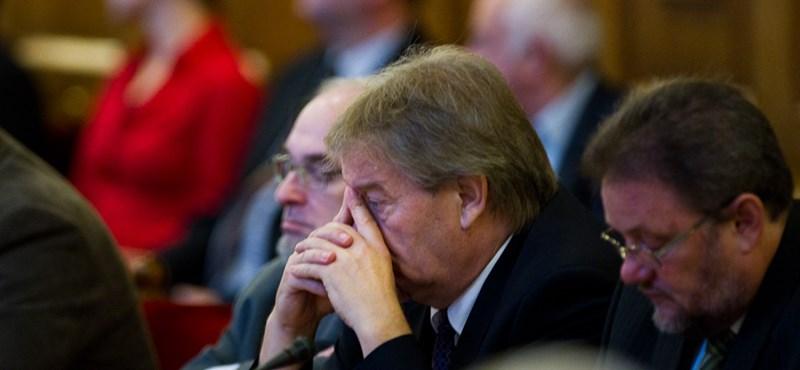 Együtt kritizálta a kormányt a LIGA és a VOSZ