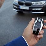 Közel a vég: a BMW teljesen száműzné a jó öreg kocsikulcsokat