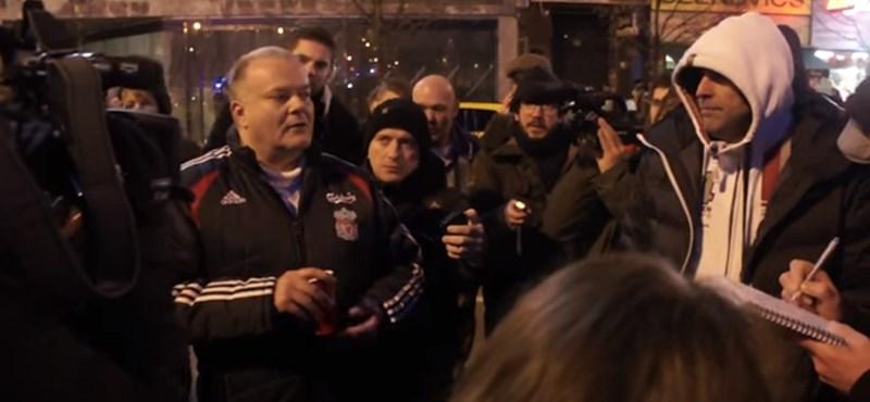 Videó: Bohózatba fulladt a taxisok tüntetése