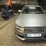 Lopott volt az Audi S4, meg is buktak vele a határon