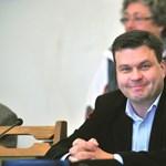 A Fidesz saját előterjesztése elől is elmenekült Esztergomban
