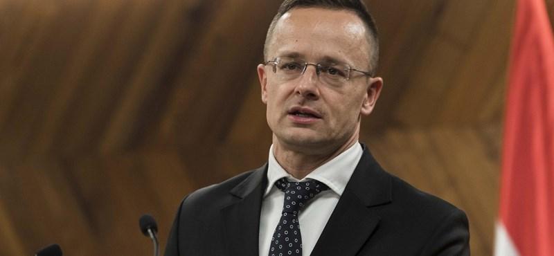 Szijjártó: Nem kell migráció a gazdaságnak