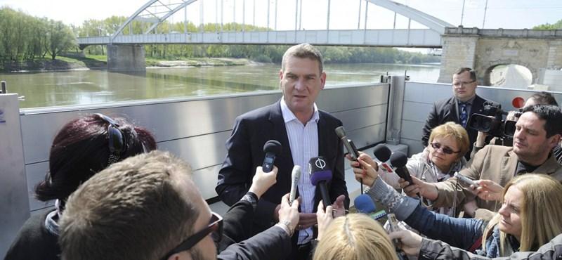 Botka lett az MSZP miniszterelnök-jelöltje, a kérdések elől sarkon fordultak