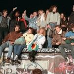 A berlini fal 30 évvel ezelőtti ledőlése megadta a kegyelemdöfést az addigi világrendnek