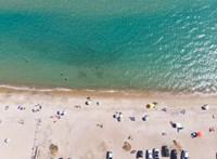 Internetes helyfoglalással kísérleteznek a francia strandok