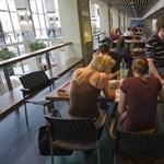 Így spórolhatsz több tízezer forintot: hétfőtől olcsóbbak az egyetemi tankönyveket