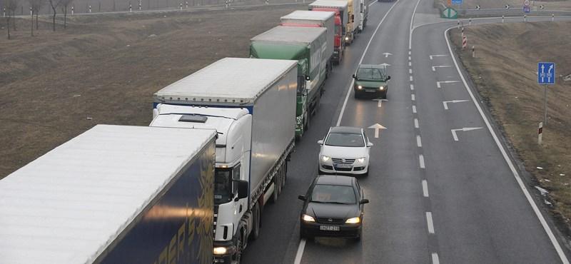 A fuvarozók követelik, nyissanak meg több határátkelőt az áruszállítás előtt