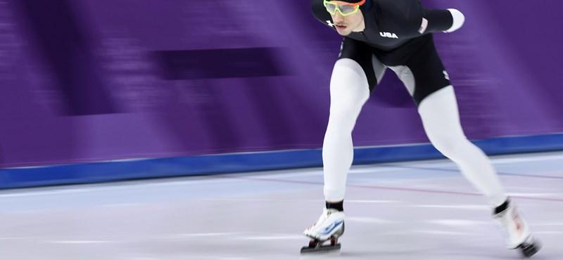 Furcsa folttal a lábuk között versenyeznek az amerikai gyorskorcsolyázók