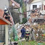 Robbanás Kismaroson: az olasz földrengést idéző fotó egy családi házról