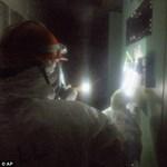 Az első fotók a japán atomerőműben dolgozókról
