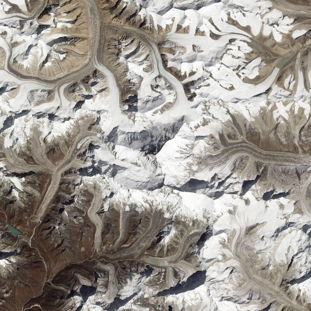 Fotó: tekintsen le a világ legmagasabb hegycsúcsára az űrből!