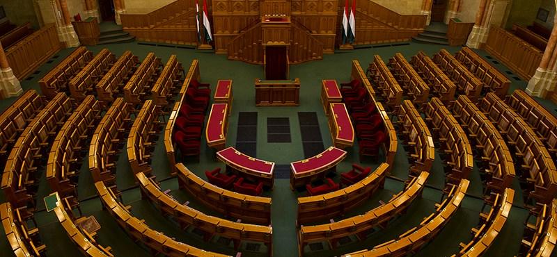 Kétféle esküvel alakult meg az új parlament - percről percre az Országházból