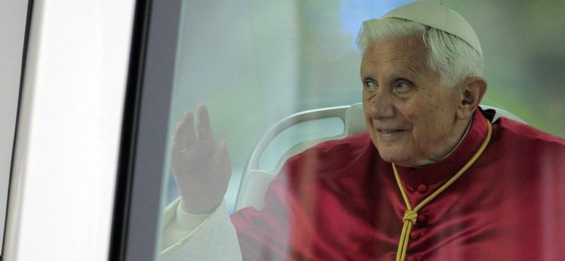 Semjén a pápa áldását kérte Magyarországra