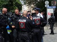 A bajor rendőrség 200 problémás magyar szurkolóról tudott, ezért tartottak ellenőrzéseket