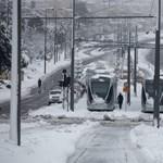 Hóvihar bénította meg a Közel-Keletet