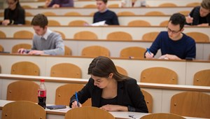 A legtöbb egyetem is hibrid oktatással készül - minden az őszi félévkezdésről