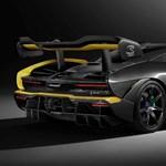 Az autó, aminek egyetlen extrája 110 millió forint
