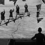 Itt a forradalmi Depeche Mode-klip