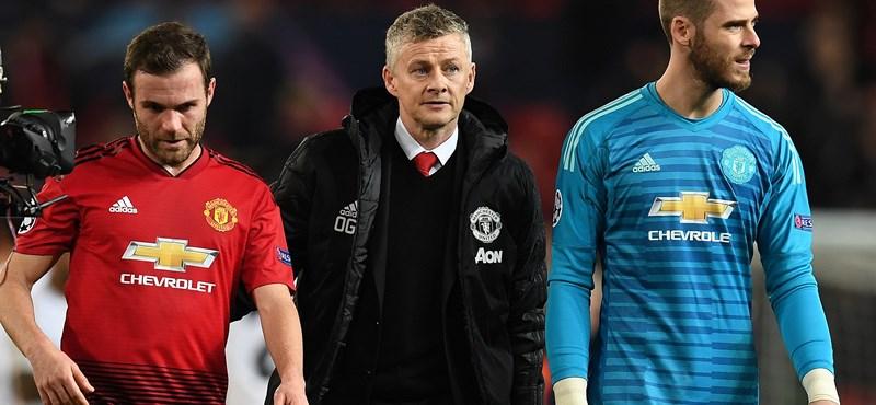 Szurkolók törtek be a Manchester United pályájára, csúszik a Liverpool elleni meccs