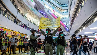 Révész Sándor: Épül a kommunista kapitalizmus, közös a sorsunk Hongkonggal