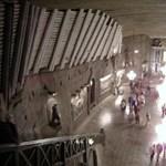 Templom 100 méterrel a föld alatt - Nagyítás fotógaléria