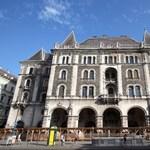 És akkor Orbán Nemzeti Balettiskolát nyit a romos palotában?