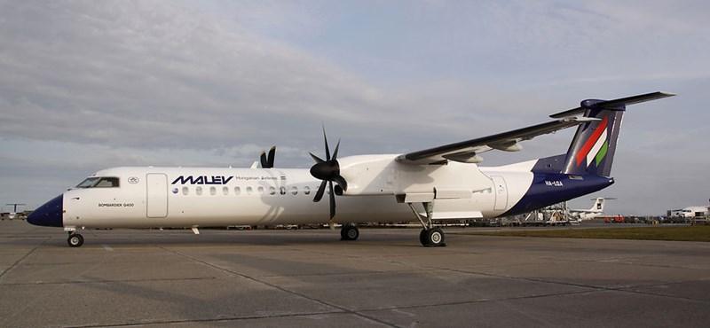 Új arculatra vár a Malév harmadik Q400-asa