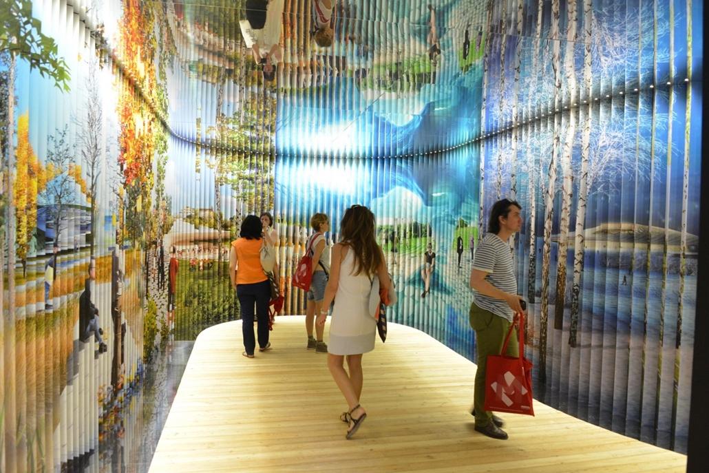 kka. Velencei Biennále 2014.06. nagyításnak - A szatelit kiállításon az orosz építészet jövőjéről készült 3D installáció.