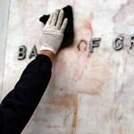 Tovább zsugorodott a görög bankok betétállománya