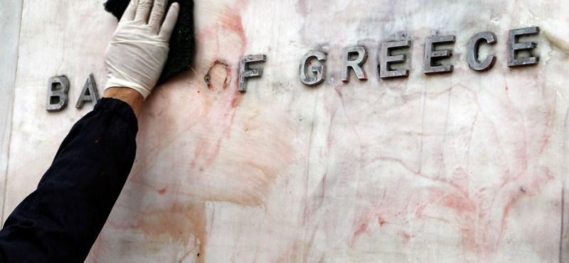 Szükségállapotot és káoszt szülhet a görög összeomlás