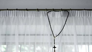 Kalocsai gyerekotthonban dolgozik egy korábban szexuális zaklatással megvádolt pap