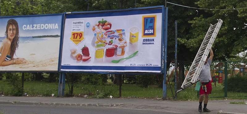 Városról városra terjeszkednek Simicska milliárdos reklámcégei