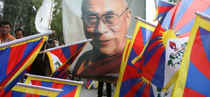 Tibetieknek fizet milliókat a magyar rendőrség