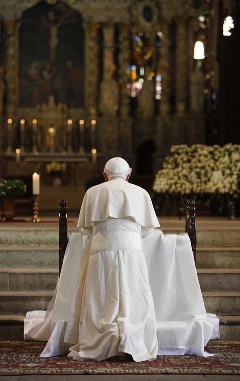 A világ imái - imádkozás - Nagyítás-fotógaléria