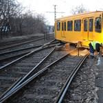 Kisiklott villamos miatt áll az 52-es vonal