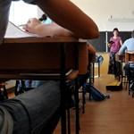 Ötven tanárt küldenek el a pécsi iskolákból