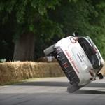 Négykeréken már unalmas rekordokat dönteni autóval, íme ugyanaz kétkeréken – videó
