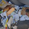 Megbírságoltak egy brit autóst, akinek egy hulladékhegy volt az autójában