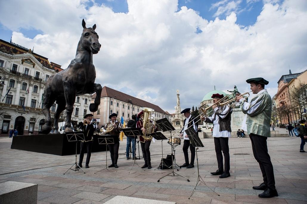 mti. Átadták a Leonardo-lovat Pécsen, Pécs, 2014.03.27.