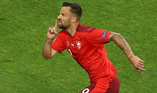 Hamar vezetést szerzett Svájc, a tartalékos olaszok egyelőre nem darálták be a walesieket - percről percre a torna utolsó csoportkörének első napjáról