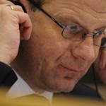 Juncker rendreutasította Navracsicsot